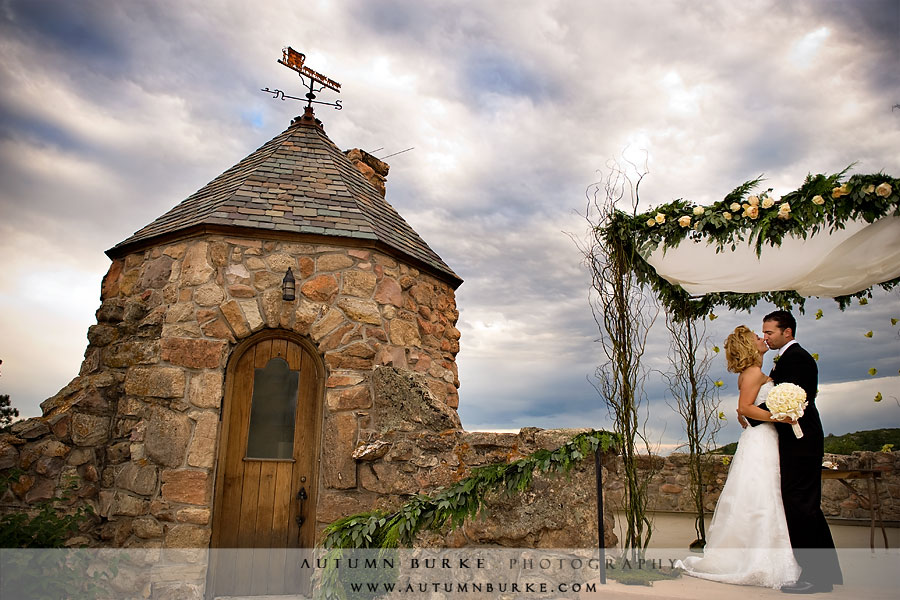Joy And Guy S Wedding At Cherokee Ranch Castle