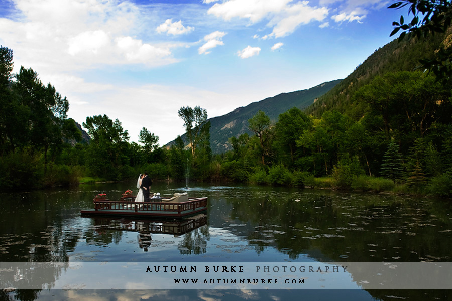 Colorado wedding photographer sarah paul at shadow s for Allie s cabin beaver creek