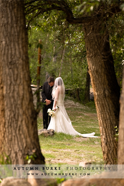 Colorado wedding photographer sarah paul at shadow s Allie s cabin beaver creek